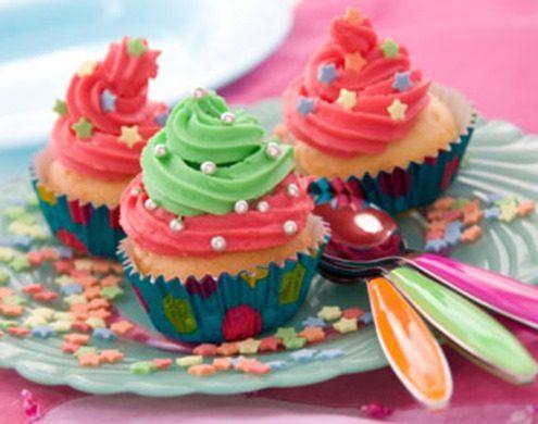غذاها و خوراکی های جشن تولد کودکان - کاپ کیک - خوراکی خوشمزه برای جشن تولد