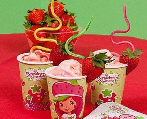 غذاها و خوراکی های جشن تولد کودکان - اسموتی میوه و شیر - نوشیدنی جشن تولد - خوراکی جشن تولد بچه ها