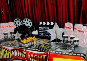 تصویر: http://cakaneh.ir/wp-content/uploads/2018/01/Movie-night-Party-300x211.jpg?x36956