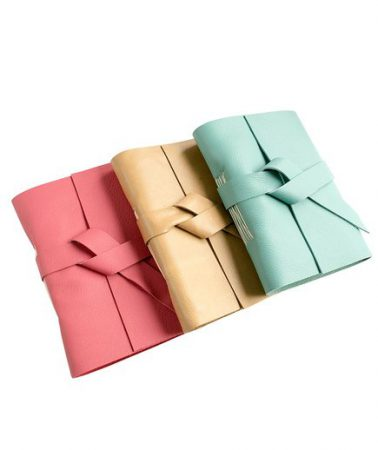 هدیه تولد برای خانم ها-دفترچه یاداداشت با جلد چرم-هدیه ویژه خانم های خبرنگار