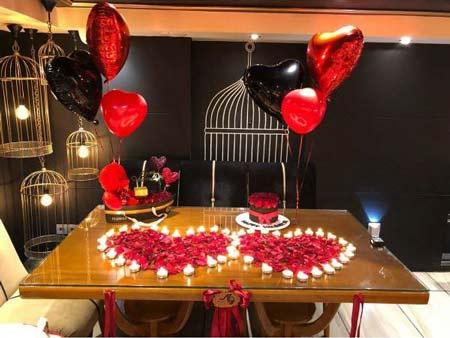 تزیین ولنتاین - تزیین ولنتاین در خانه - تزییم میز ولنتاین - تزیین میز رمانتیک - تزییین میز ولنتاین با شمع و گل