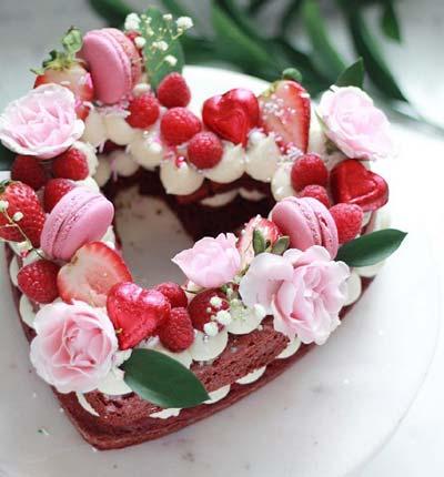 کیک ولنتاین - کیک ولنتاین دو نفره - کیک ولنتاین ساده - کیک لونتاین رمانتیک - کیک سابله قلب