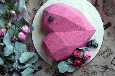 کیک ولنتاین - کیک ولنتاین خاص - کیک ولنتاین جدید - کیک ولنتاین دو نفره - کیک ولنتاین عاشقانه - کیک سورپرایز - شکلات سورپرایز - قلب شکلاتی سورپرایز