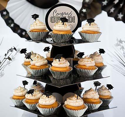 جشن فارغ التحصیلی - ایده برای جشن فار التحصیلی - برنامه ریزی برای جشن فارغ التحصیلی - خوراکی جشن فارغ التحصیلی - کوکی به شکل کلاه فارغ التحصیلی - کاپ کیک جشن فارغ التحصیلی
